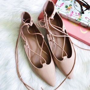 OLD NAVY   pointed-toe lace-up flats